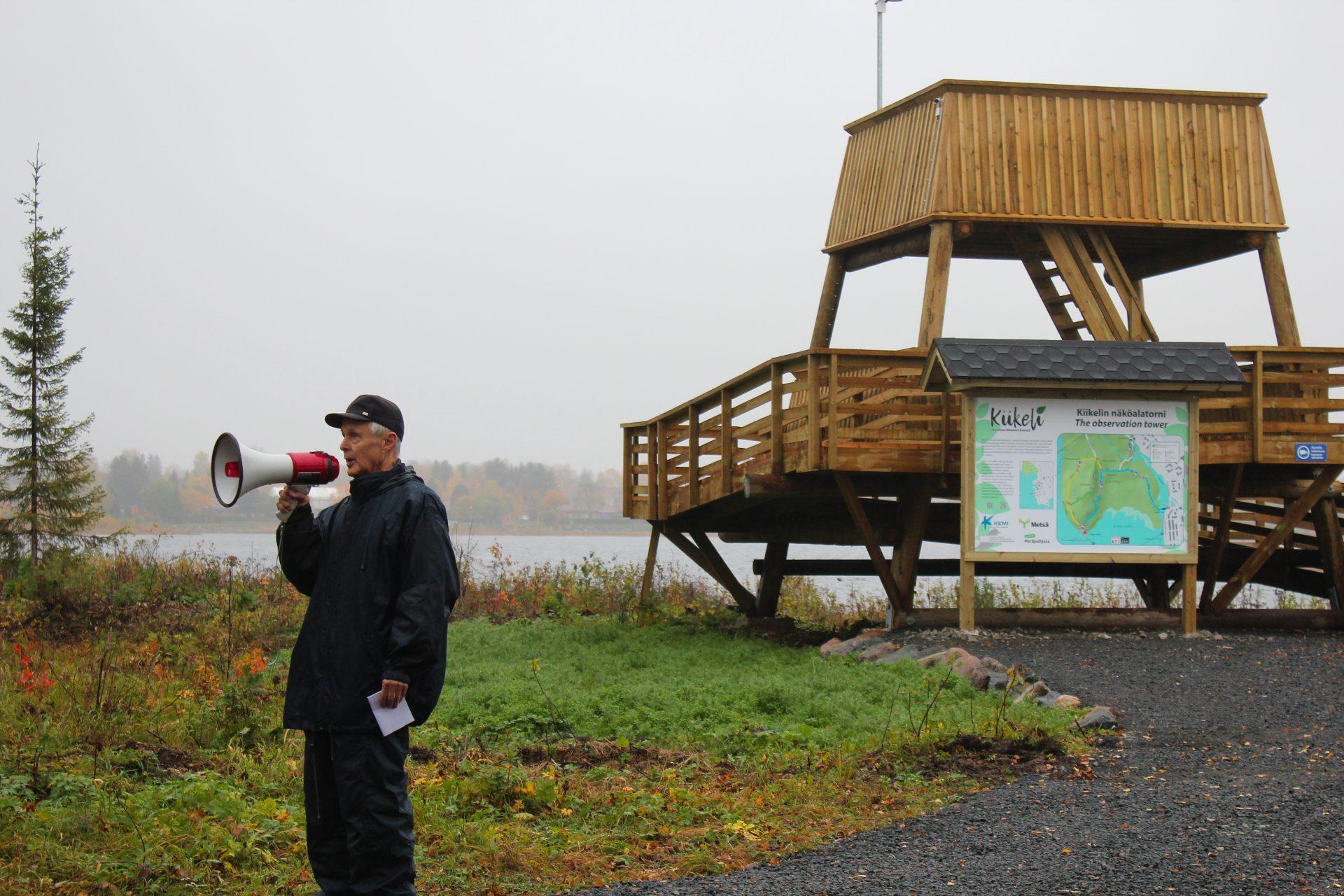 Pentti Rauhala on kartoittanut Kiikelin alueen linnustoa.