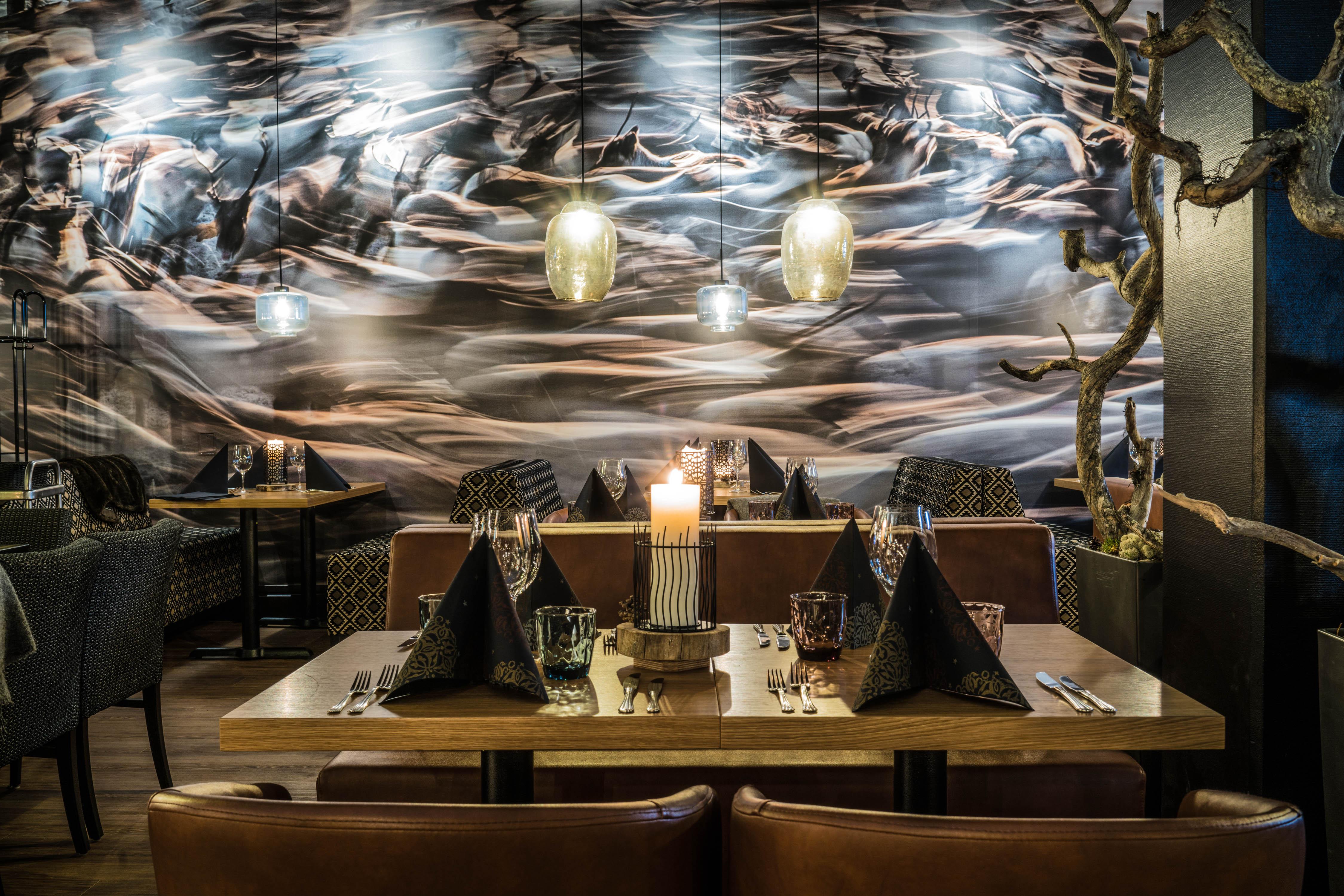 Lapland Hotels on yksi Antti Kurolan asiakkaista. Kuvat ovat osa sisustusta. Kuva: Antti Kurola.
