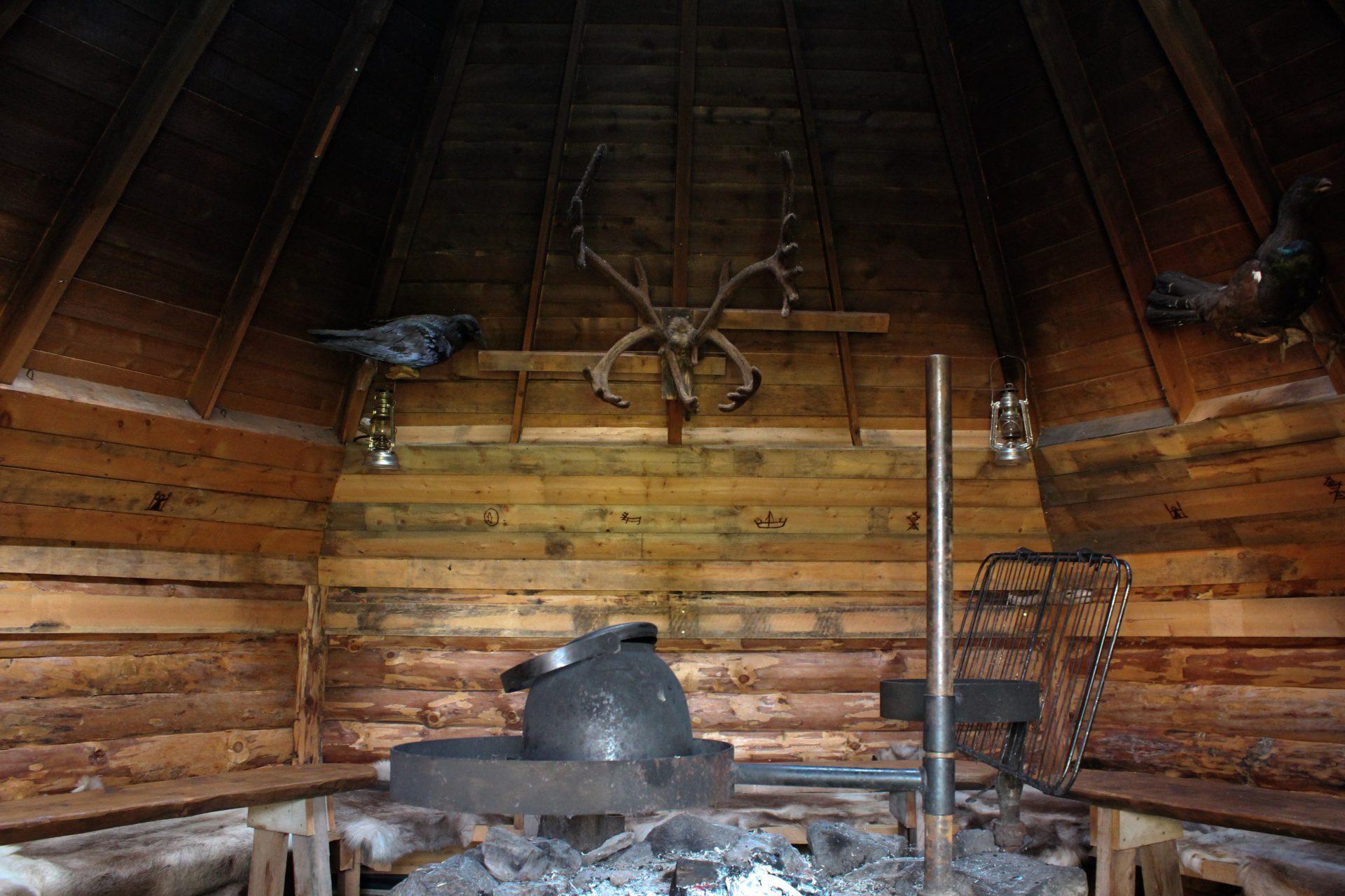 Kota on Jerisjärven shamaanin mieluisin paikkka kohdata ihmisiä.