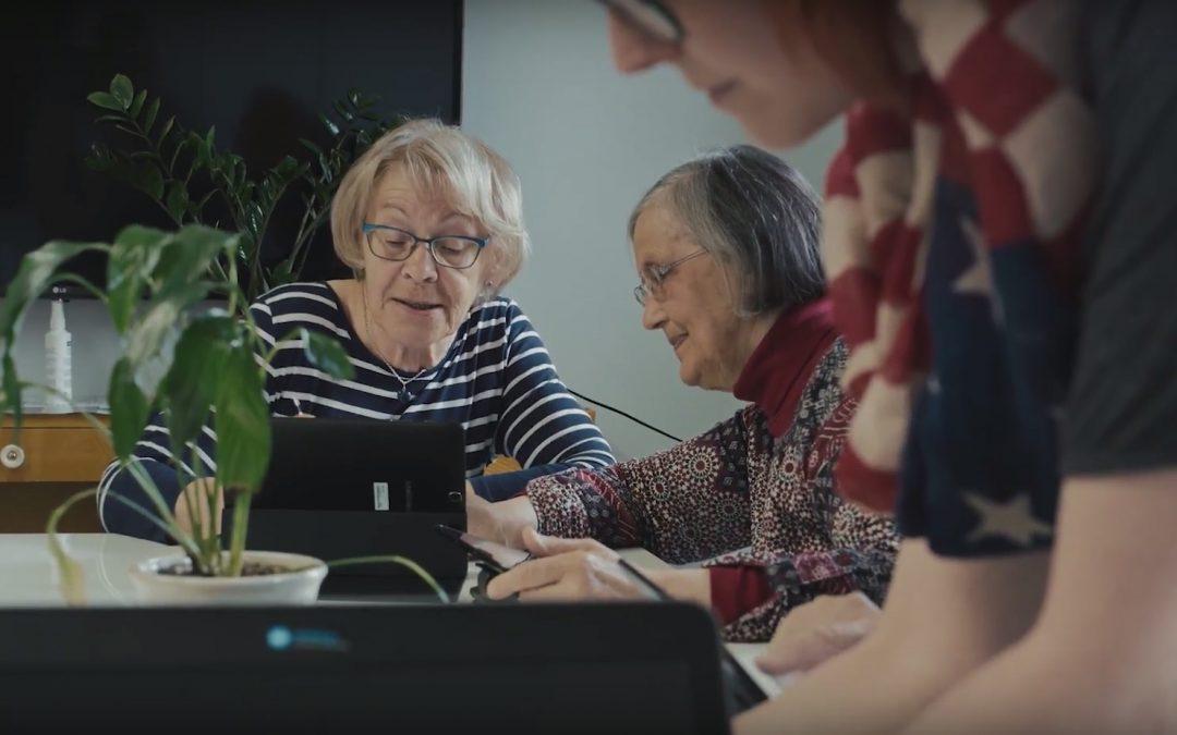 Nykytekniikan käyttö sujuu ikäihmisiltäkin