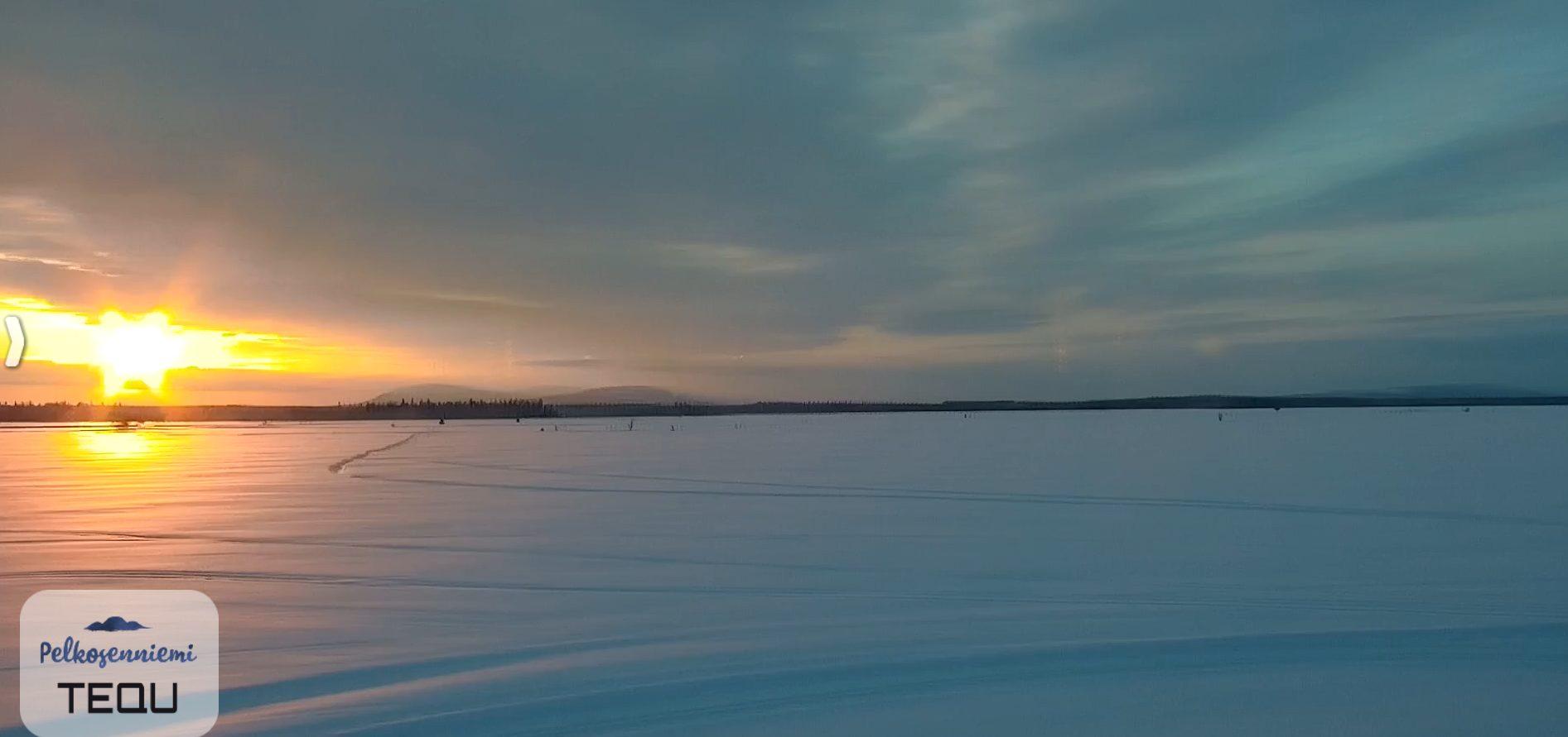 Kilpiaavan suomaisema, aurinko laskee, tunturi, aapa, lunta.